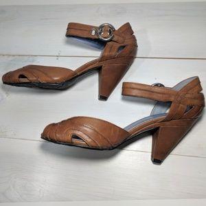Hush Puppies peep-toe tan heels